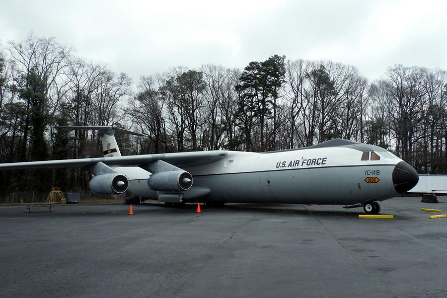 C-141 Aircraft 1_LG